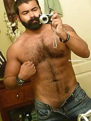 Amateurs images of real metrosexual dudes at home